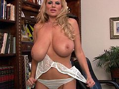 Brilliant compilation of Kelly Madison showing off her body