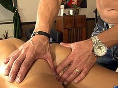 Lisa Ann - Massage with surprise