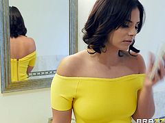 Violet Starr has not only big boobs, but also really appetizing booty. Keiran Lee was so stunned by her sexy curves, that he first licked her pussy, before putting his hard dick in her sweet mouth. Relax and enjoy!