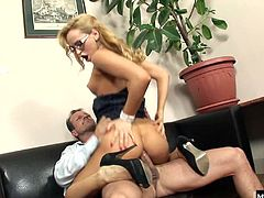 Aleska Diamond enjoys getting her pussy eaten out