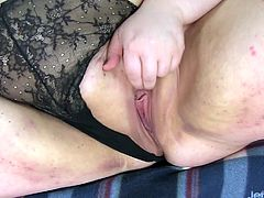 She fingers her pussy and then fuck her pussy with a dildo Later she takes a vibrator and continue wanking until she pulses with orgasm