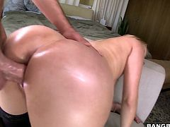 Bootyful blonde Vanessa Cage goes wild on a hard penis and gets her anus pounded