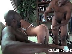 KAT D GETS DP SLUTTED OUT BY TWO BBC'S N' LUVS EVERY SECOND