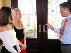 Sexually charged hottie AJ Applegate takes part in crazy threesome scene