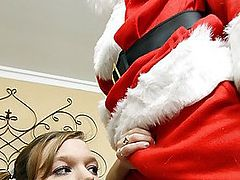 Wendie Tomass Sucks Off Santa's XXXmas Pole