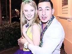 Cute Teen Girls Orgy With Guys During Mardi Gras