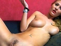 Pretty blonde play with her fucking machine