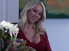 Amazing lovemaking game with stunning blonde MILF Alexis Fawx