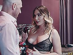 Blair williams receives her worthwhile large melons worshipped by johnny sins