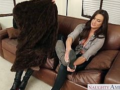 Sexy lesbians Misty Anderson and Monique Alexander toy twats