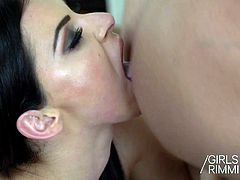 GIRLSRIMMING - Teenage Escort$$$ Threesome Arwen Gold and In