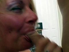 Brit Mature fucked in her Ass