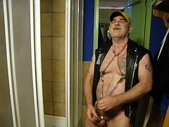 Super hot leather daddy cumming