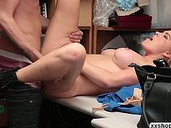 Blonde Krissy Lynn fulfill her fantasies