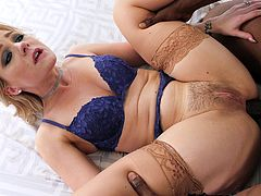 His big black cock was too big for naughty babe Lisey Sweet