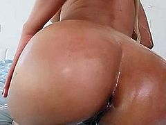 Hot Babe Luna Star Gets Fingered And Fucked