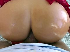 Juggy blond bitch in red stockings and high heels Cali Carter gets her pussy fucked and licked