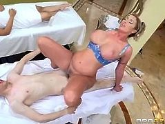 BRAZZERS MASSAGE HAPPY ENDING