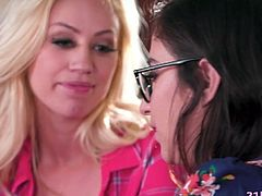 Lesbian babes April O'Neil and Lyra Law