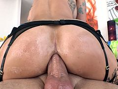 Anal insane hooker Sammie Six takes a big dick in her stretched anus