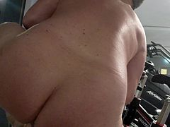 PHIL WILLIAMS: Getting Naked at the Gym
