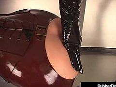 RubberDoll & Rubber Painted Lady Spank Ass Checks In Latex!
