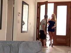 Student fucks super hot nextdoor blond bombshell Alura Jenson