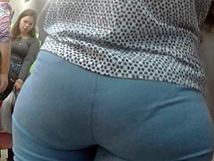 Big butts girls in tight jeans