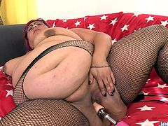 Sexy plumper introduces herself She shows her juicy tits fat ass and pussy She gives a blowjob to a fucking machine then rides it in her plump pussy in various speeds until she gets orgasm