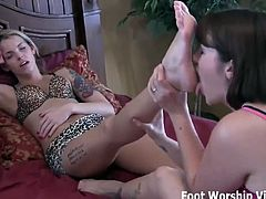 I snuck in and started worshiping her sexy feet