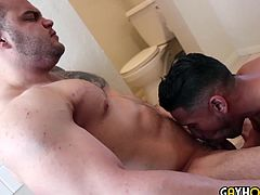 Body Builder Buck Gets Butt Fucked By Latino Stud