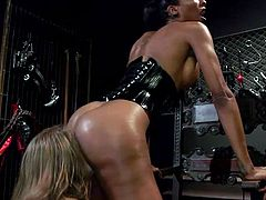 Ella Nova was stunned by the black tranny Natassia Dreams, she was attracted by her exotic beauty and charm. Watch the white chick licking Natassia's black bubble butt and sucking her long chocolate dick... Relax and enjoy!