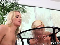 Wet lesbian oral sex with blonde piss duo