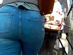 Candid big ass teens in tight jeans
