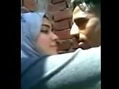 Hijab arab maroc kissing in public new 2019 couple