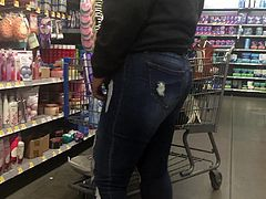 Sexy MILF Ass in Jeans