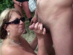 Two matures in a french Bukkake scene