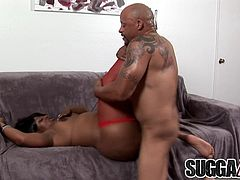 Juicy Ebony Brownie Deluxxx Gets Some Cum on Her Big Black Ass