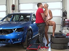 Chloe Lamour - MECHANIC FRANK ENJOYS HOT RIMMING RECEIVED FROM HIS FRIEND